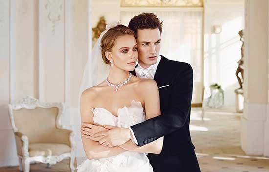 瑞典名模代言周生生新娘珠宝 璀璨夺目