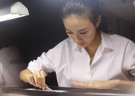 超模秦舒培与周大福跨界设计全新系列首饰