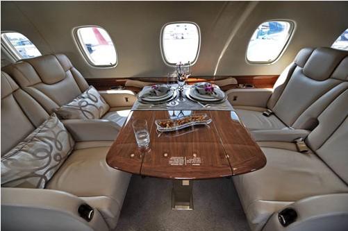 成龙高级定制私人飞机 内饰考究奢华