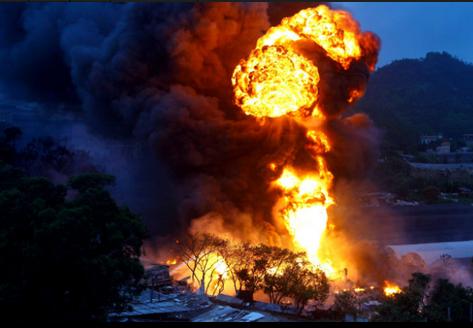 昨日下午5时许,珠海前山福溪村后部,一废品收购站起火并发生爆炸,多个