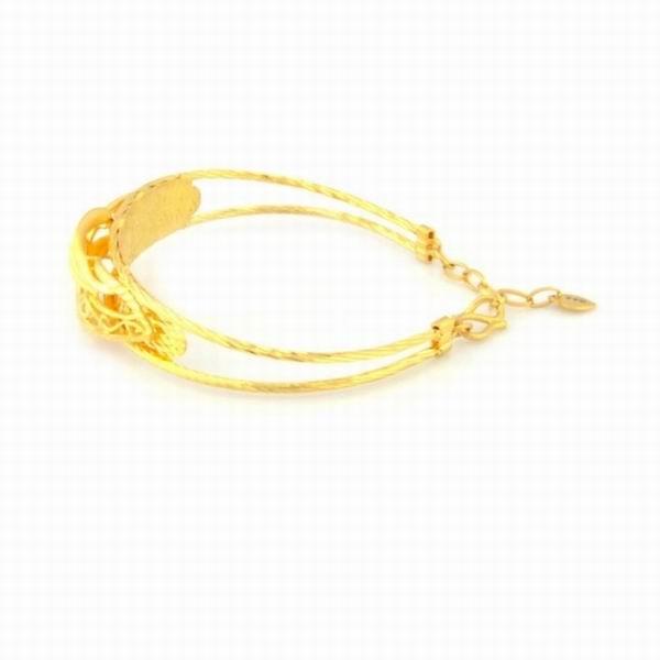 周大生黄金手镯款式图片大全 周大福结婚黄金戒指盒 周大生p图片