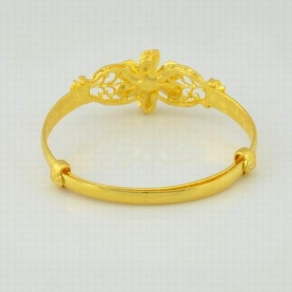 周大生黄金手镯款式图片大全 周大福结婚黄金戒指盒 周大生p
