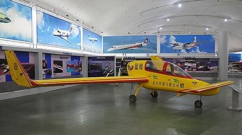 35万国产AD200超轻型飞机:超低空性能出众