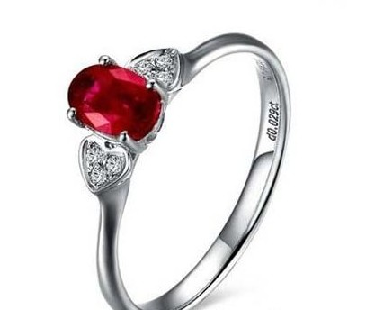 欣赏几款璀璨夺目红宝石戒指