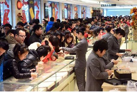 春节长假菜百日均销售超亿元 菜百转运珠分外热销