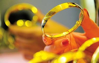 国际金价上涨 黄金首饰适不适合投资