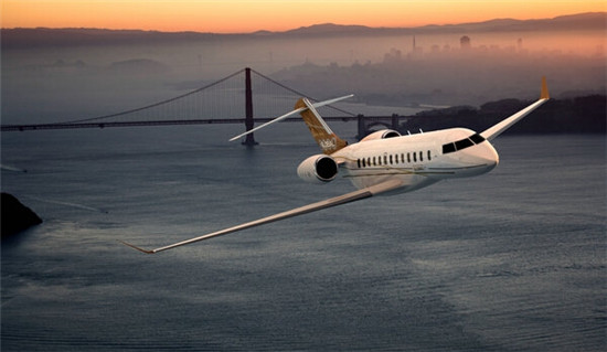 庞巴迪环球快车8000私人飞机创造航程最远记录