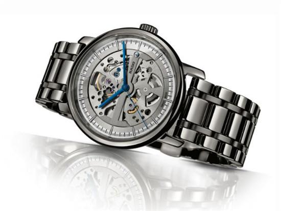 RADO 推出限量版「DiaMaster」钻霸系列自动机械腕表