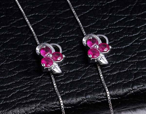 喜钻18K白金30分红宝石时尚钻石耳环图片_珠宝图片