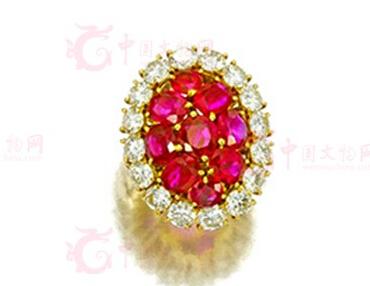 梵克雅宝红宝石饰品将亮相珠宝拍会