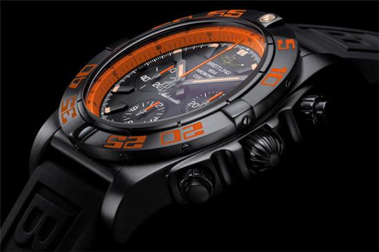 百年灵推出全新终极计时黑鹰系列腕表