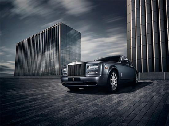 Rolls Royce携幻影都会典藏版车型亮相巴黎国际车展