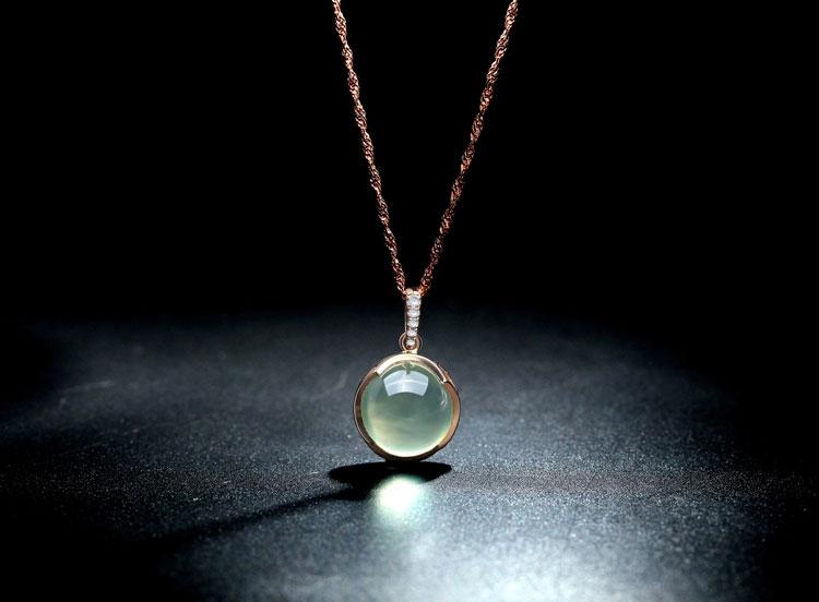 珂兰钻石春柔天然美容养颜葡萄石吊坠图片_珠宝图片