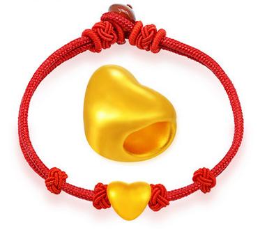 老鳳祥黃金手鏈圖片2、999千足金3D硬金黃金轉運珠紅繩手鏈