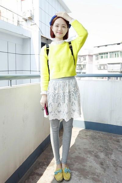 冬季穿衣搭配技巧示范 假两件打底裤轻松搭出韩范