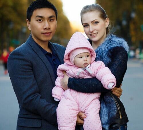 中国高考学渣逆袭 娶乌克兰美女买3000平米土地