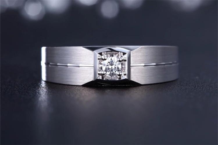 珂兰钻石18K金单钻霸气男戒_珠宝图片