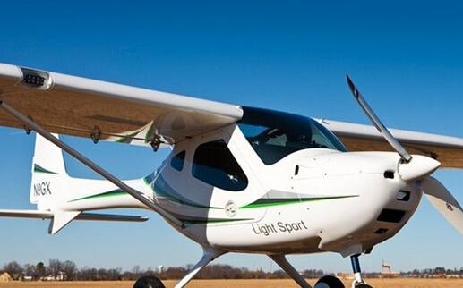 德国RemosGX:机身机翼全由碳纤维材料打造的私人飞机