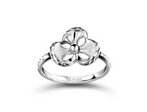 六福珠宝携手国际铂金协会推出全新铂金系列