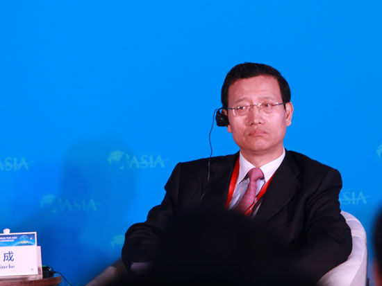 王银成:保险机构收购银行和证券是必然趋势