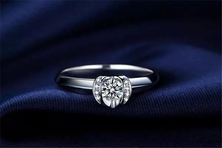 佐卡伊珠宝白18K金20分结婚定制钻石戒指_珠宝图片