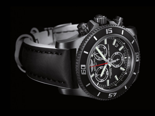 Breitling推出超级海洋M2000计时限量版腕表