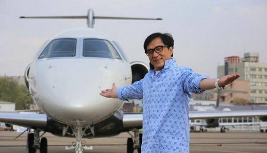 成龙斥资两亿为私人飞机升级换代 购下豪华商务客机