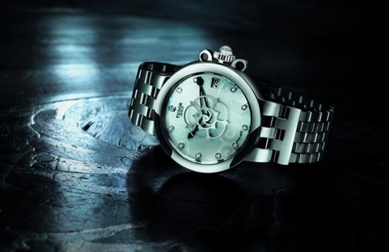 美妙姿态 帝舵表推出全新Clair de Rose女装腕表