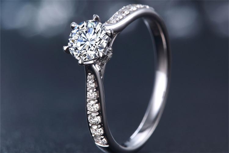 珂兰钻石白18k金1克拉旋转皇冠钻石戒指_珠宝图片