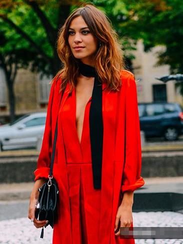 窄丝巾城金秋服装流行趋势 保你时髦甩别人八条街