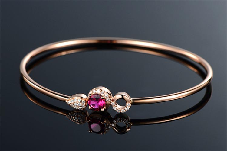 米莱珠宝白18K金1.0克拉红碧玺钻石手镯_珠宝图片
