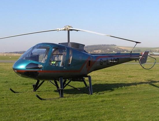 恩斯特龙480:4座轻型多用途民用私人直升机