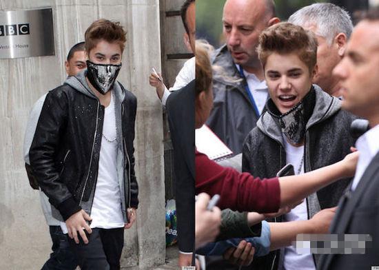 """Justin Bieber穿衣搭配示范 雾霾天如何时髦""""死"""""""