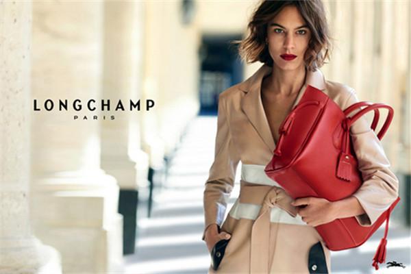 Longchamp携手钟小姐拍摄全新系列包包广告大片