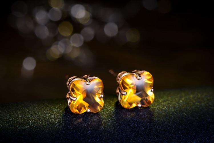 佐卡伊珠宝白18K金3.9克拉黄晶求婚耳钉_珠宝图片
