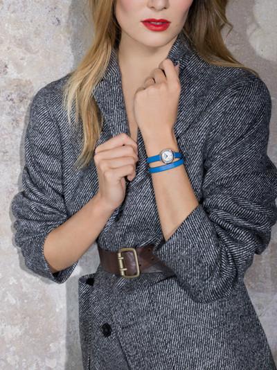 名士名车品牌特别推出限量版卡普蓝Shelby腕表