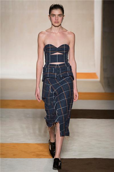 Victoria Beckham于纽约时装周发布2016秋冬系列