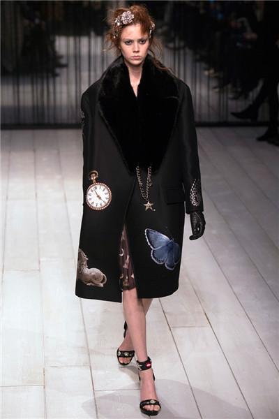Alexander McQueen于伦敦时装周发布2016秋冬系列