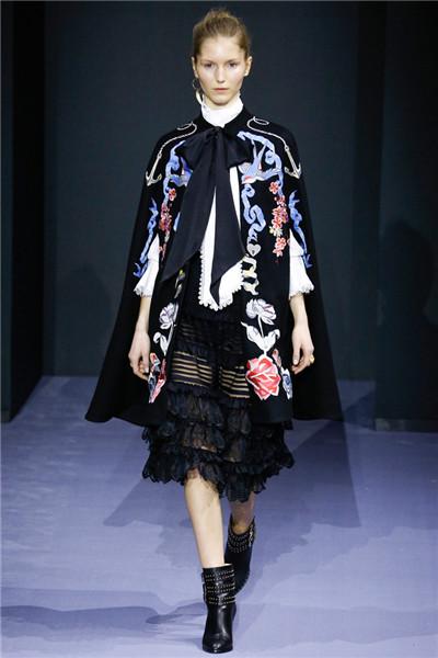 Temperley London服装品牌于伦敦时装周发布秋冬系列