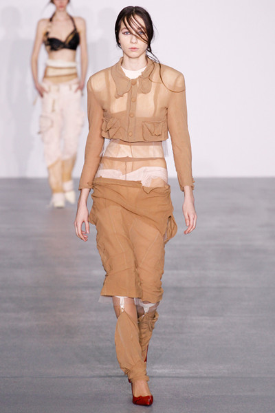 Central Saint Martins服装品牌于伦敦发布秋冬系列