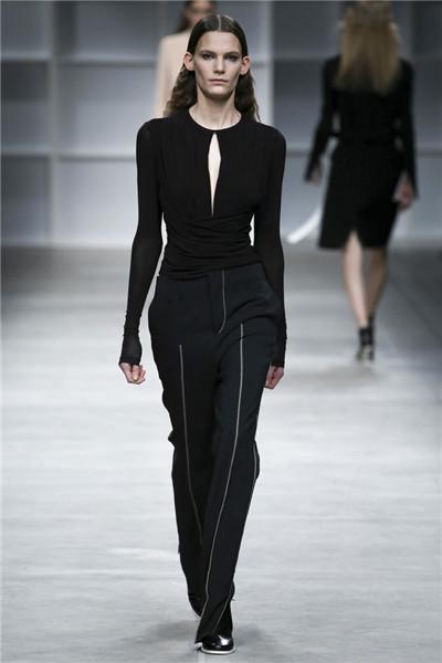 Aquilano.Rimondi服装品牌于米兰时装周发布秋冬系列