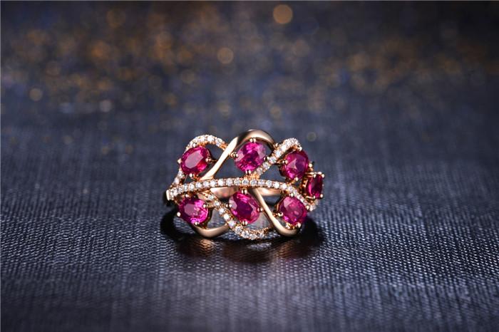宝石分类: 红宝石 款式: 戒指 镶嵌材质: 黄金/k黄金镶嵌宝石 品牌图片