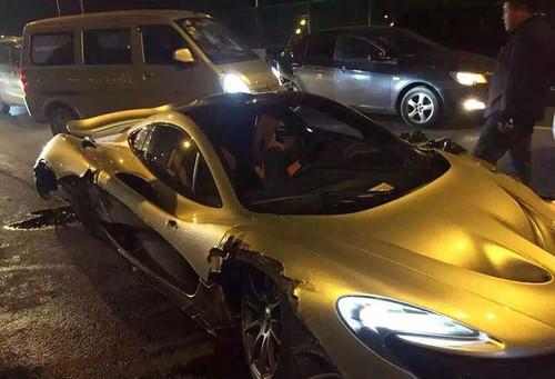 网曝豪车国内首撞 需要给你的迈凯伦p1买汽车保险