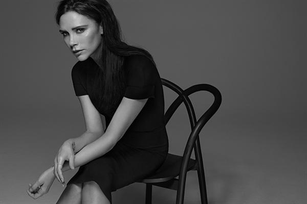 雅诗兰黛携手Victoria Beckham发布限量彩妆系列