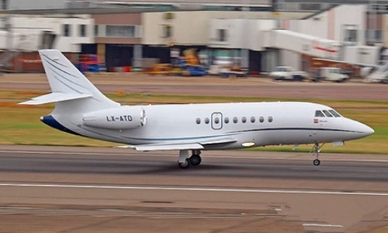 猎鹰2000DX:双发涡轮风扇远程宽体私人飞机