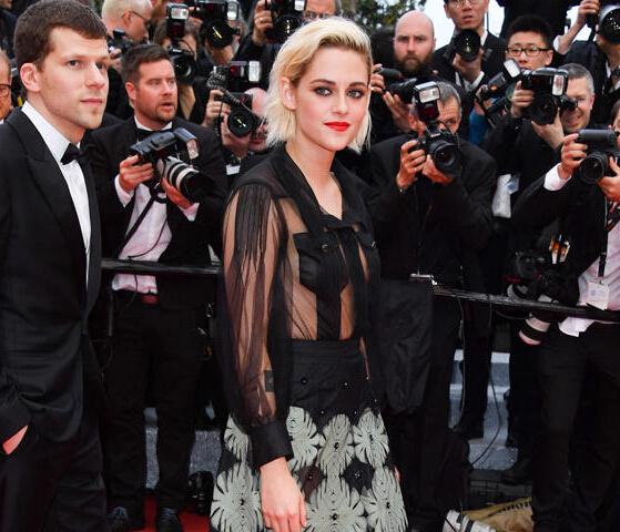 《咖啡公社》戛纳首映红毯 女星的珠宝都被香奈儿承包