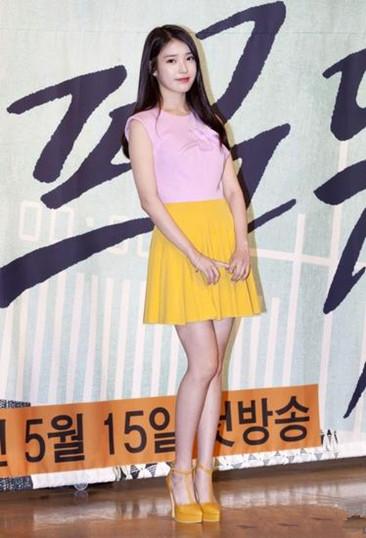 韩版《步步惊心》将映 IU穿衣搭配简约不失气质
