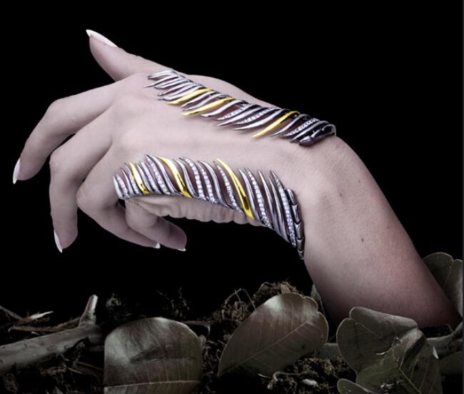 这些昆虫与珠宝的混搭如此完美 不过你敢戴在身上吗