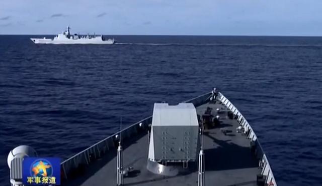 南海舰队在西太实战化演练跟踪群战术 召唤轰6协同