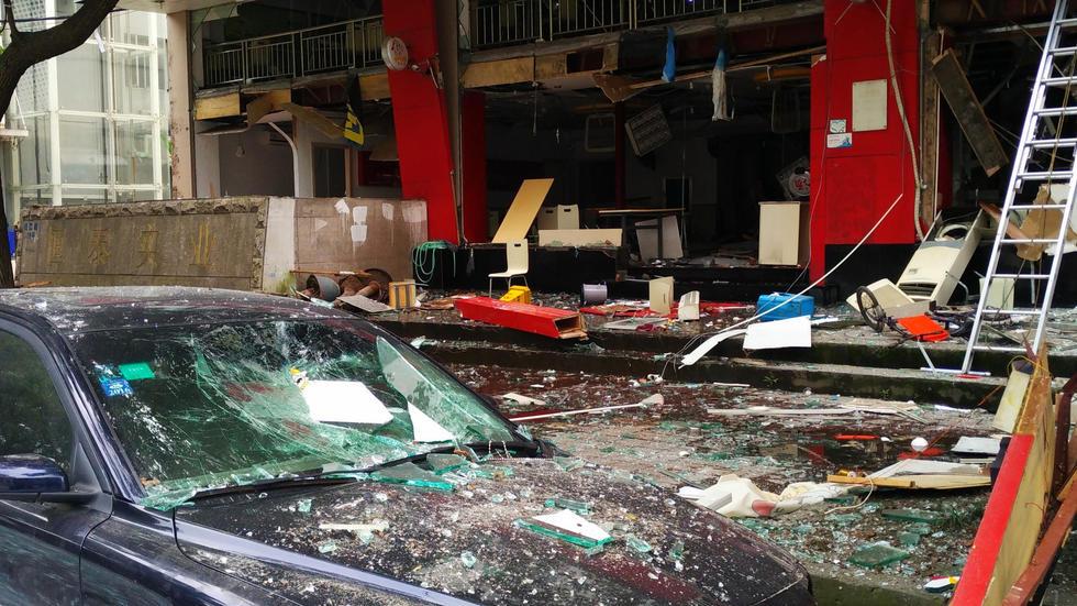 浙江温州快餐店发生爆炸 店铺被炸的一塌糊涂